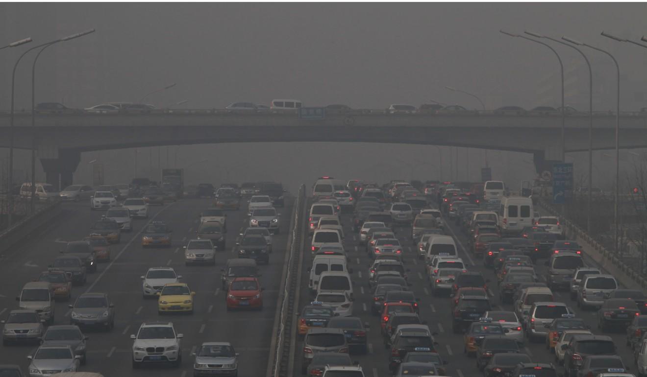 A China está tentando limpar seu problema de poluição e reduzir a demanda por combustíveis fósseis.  Foto: Simon Song