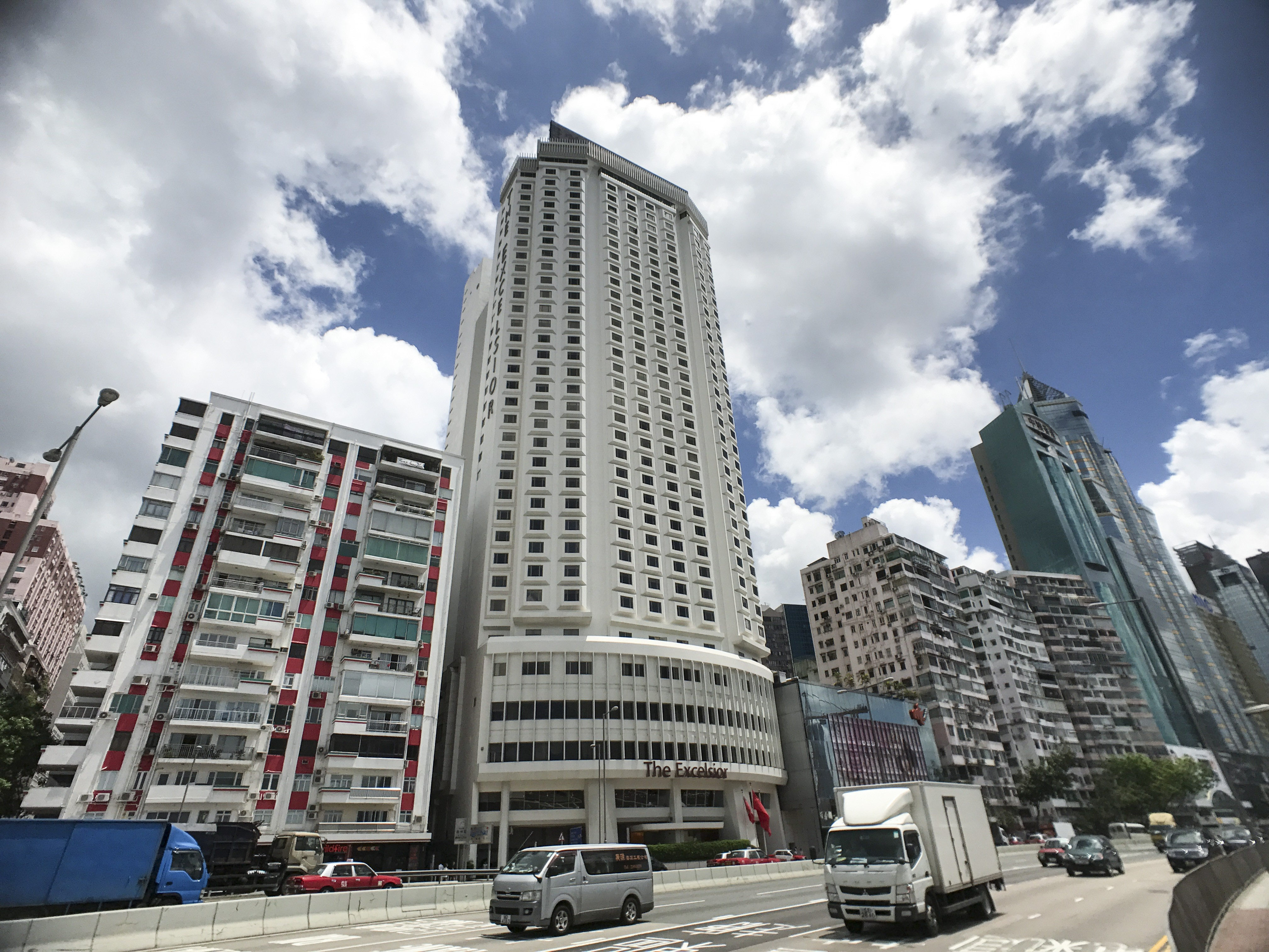 Hong Kong S Iconic Excelsior Hotel To Shut In March 2019 For