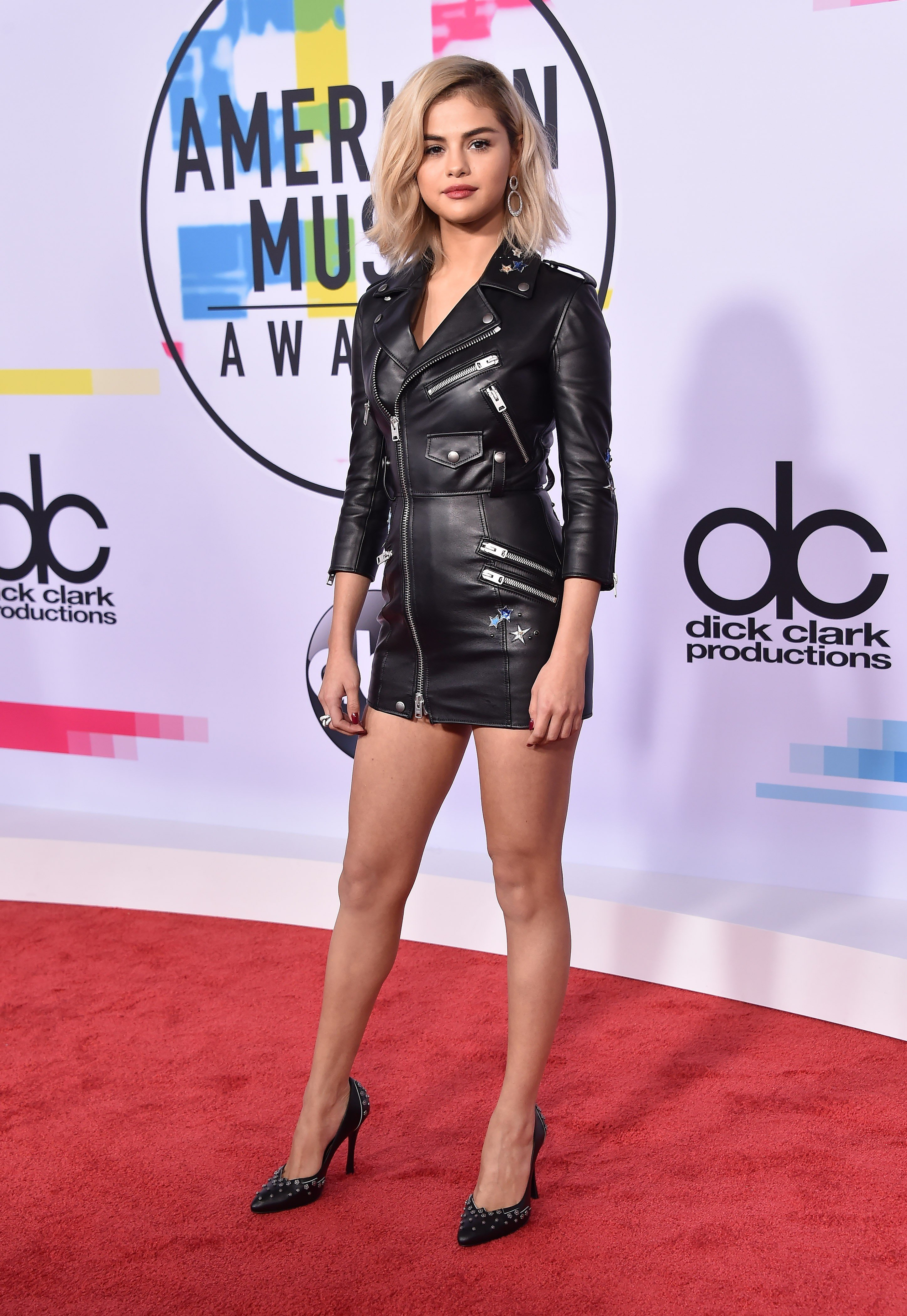 Selena Gomez Rocks A Custom Made Black Leather Mini Dress By Coach At The 2017 American Music Awards In Los Angeles November