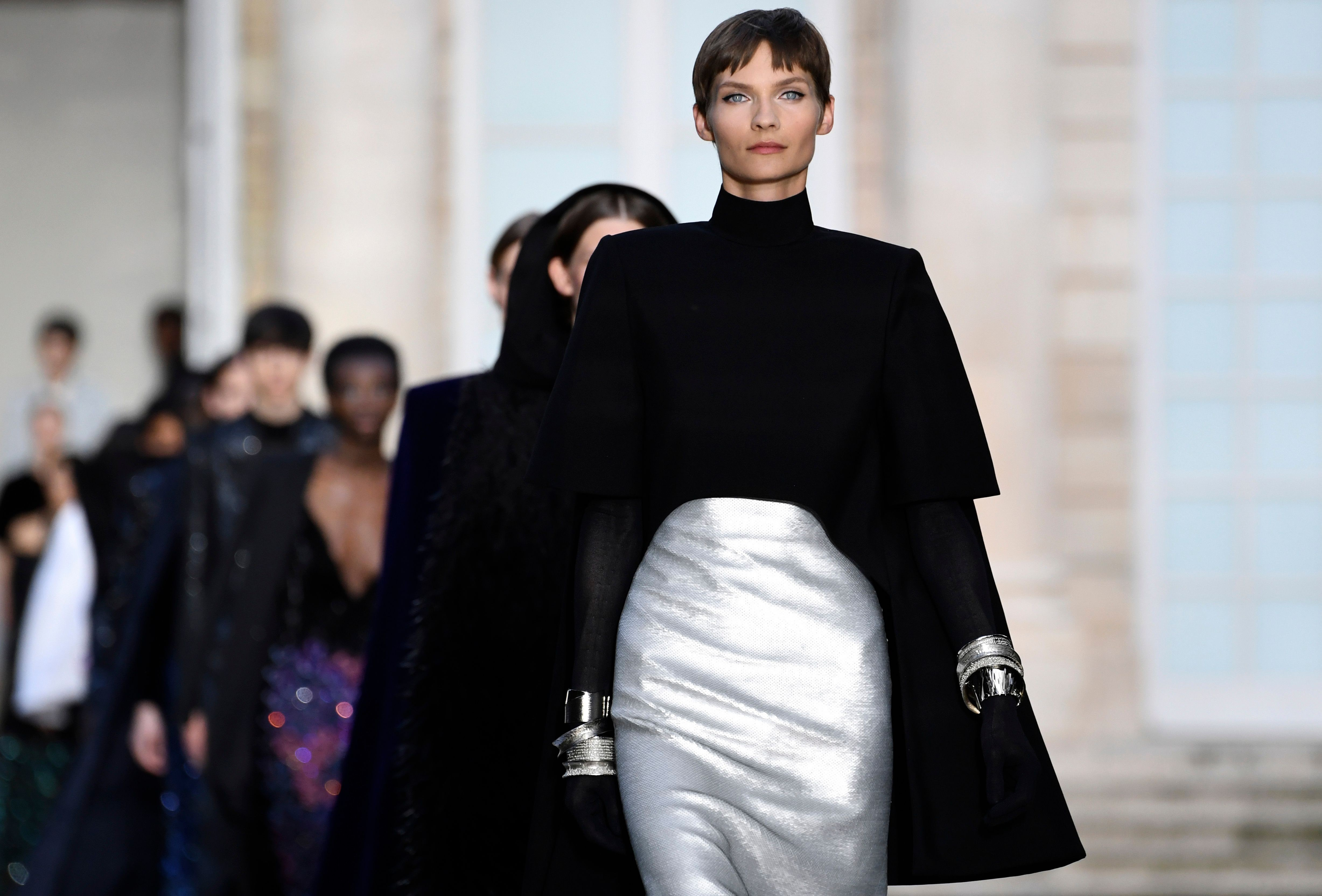 0a54fdfd07 Givenchy brings mystery and old-school Hollywood glamour to Paris Haute  Couture shows