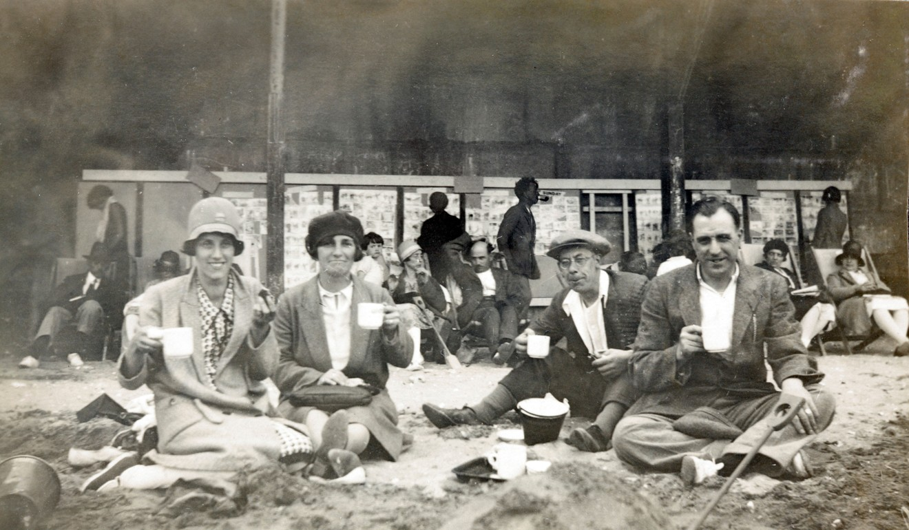 A picnic on the beach in England in the 1900s. Photo: Alamy