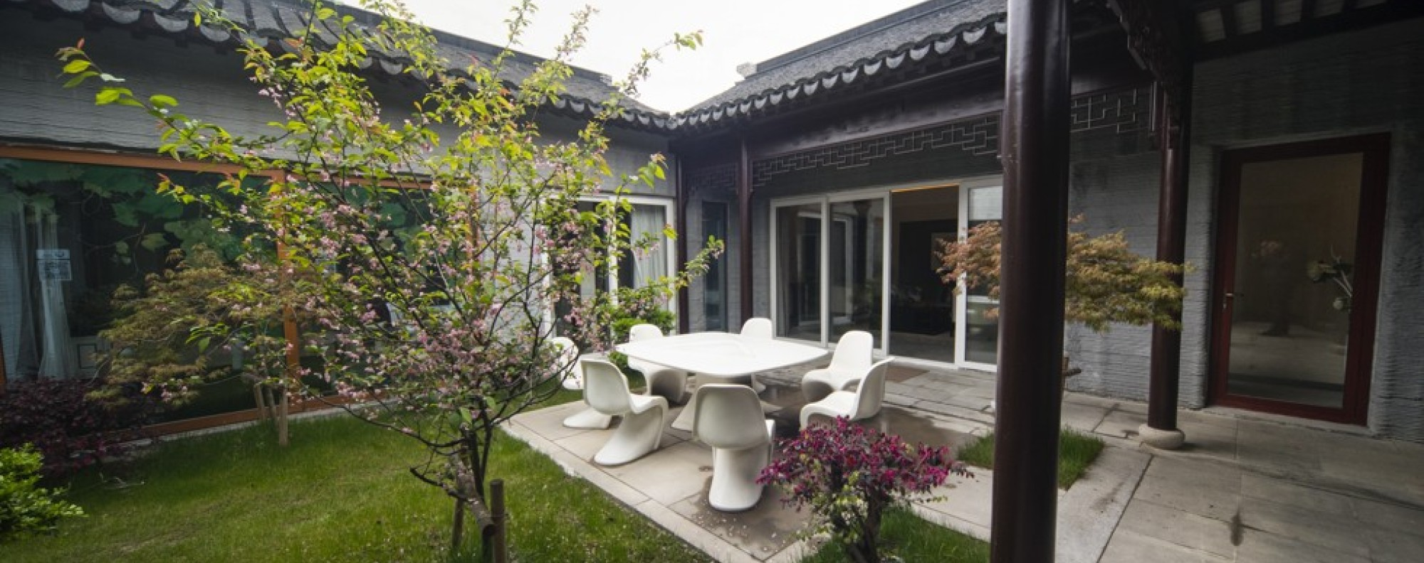 A 3D Printed Chinese Style Courtyard Home Built By WinSun.