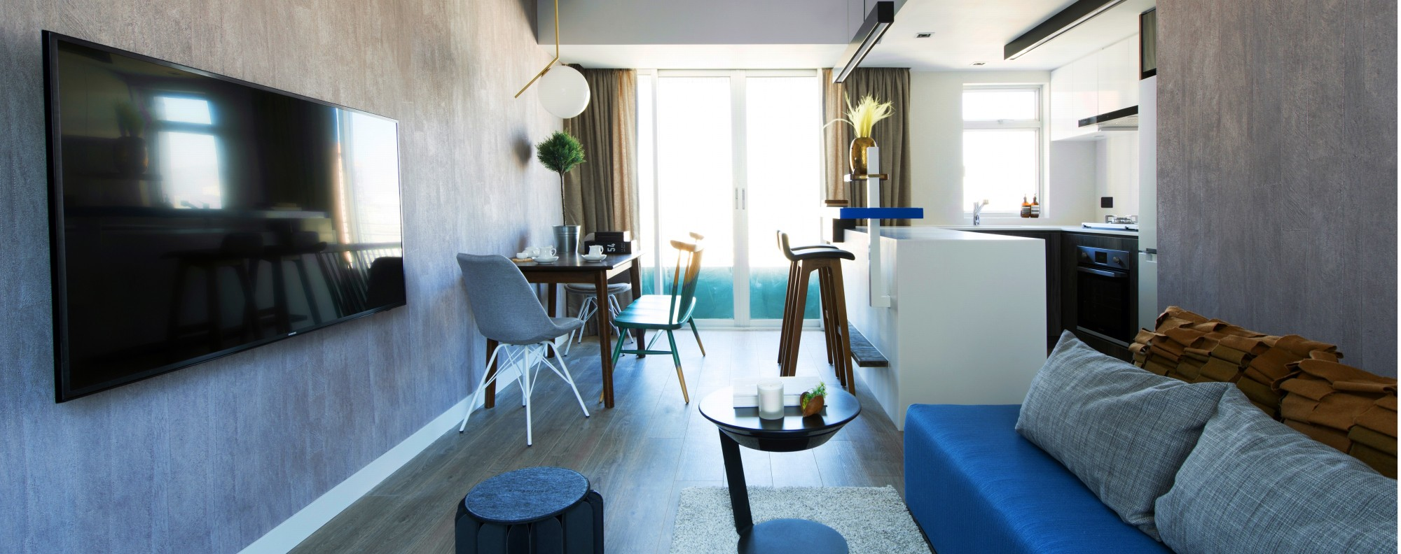 A Hong Kong bachelor pad gets a bold, bright and blue update | Post ...