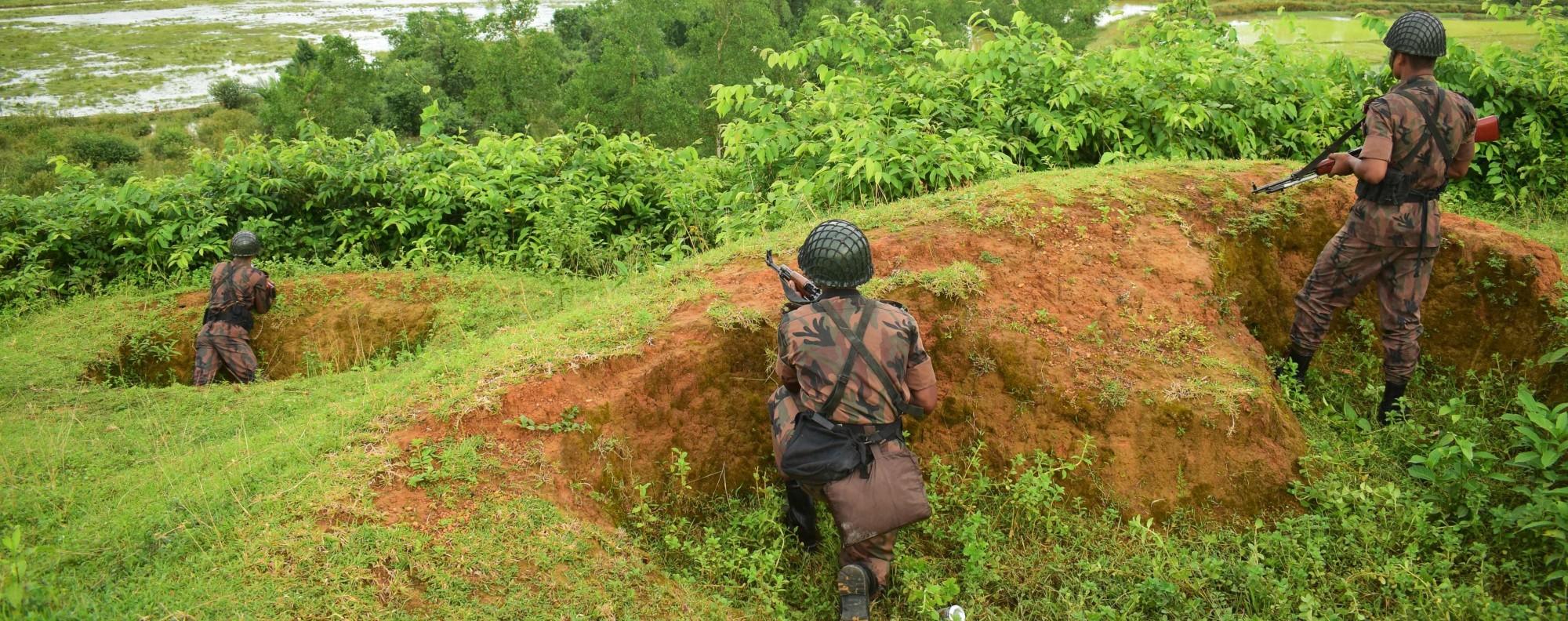 Bangladeshi troops at the Myanmar border. Photo: AFP Photo