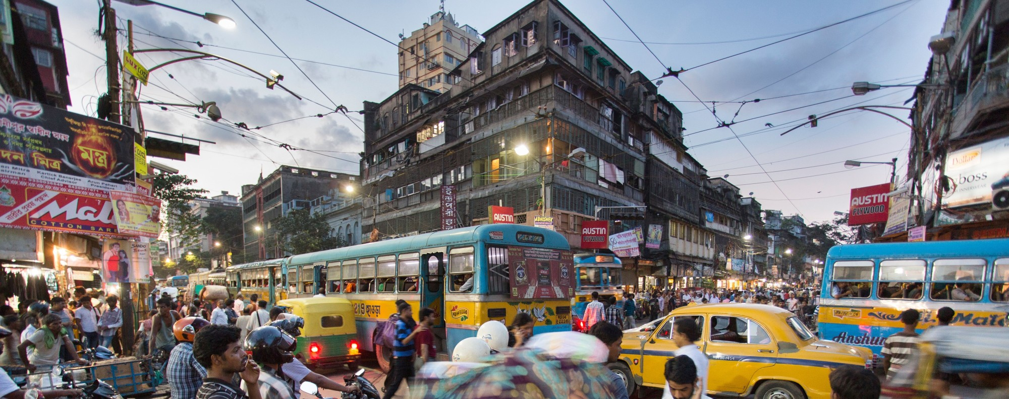 Kolkata traffic. Photo: Alamy Stock Photo