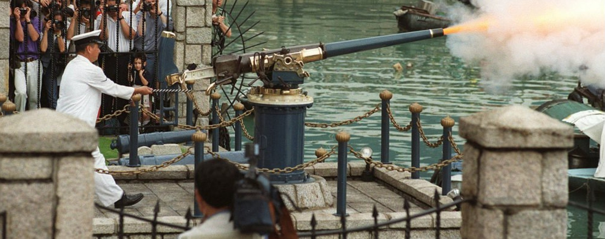 The last firing of Hong Kong's Noon Day Gun under colonial rule
