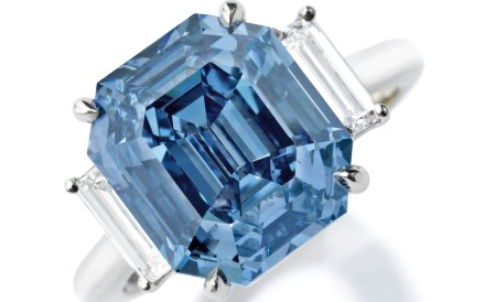 A 5.69-carat fancy vivid blue diamond ring, valued at up to US$15 million, is being offered for sale at Sotheby's 'Magnificent Jewels' auction in New York on December 5. Photo: Sotheby's