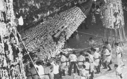 The bun tower fell and hurted more than 100 people 27 years ago on a Cheung Chau Bun Festival day of May 1978, that ended the annual tradition until this year.