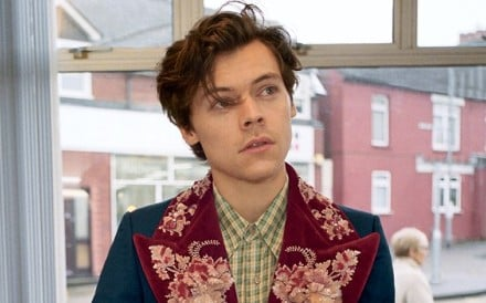 British pop idol Harry Styles is the new face of Gucci's autumn/winter 2018-19 men's tailoring campaign.