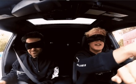 YouTubers George Janko (left) and Jake Paul (R) attempt to drive while blindfolded as part of the Bird Box challenge, based on the Netflix movie Bird Box. Photo: YouTube/Jake Paul