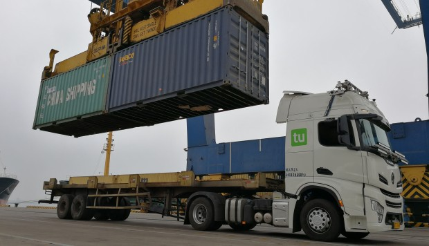 Self-driving truck firm, Chinese ports in talks on unmanned logistics