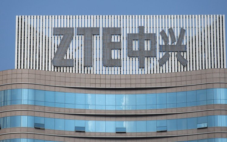 US May Place Compliance Officers In ZTE's Offices, Wilbur Ross Says After Bill Punishing The Company Passes The House