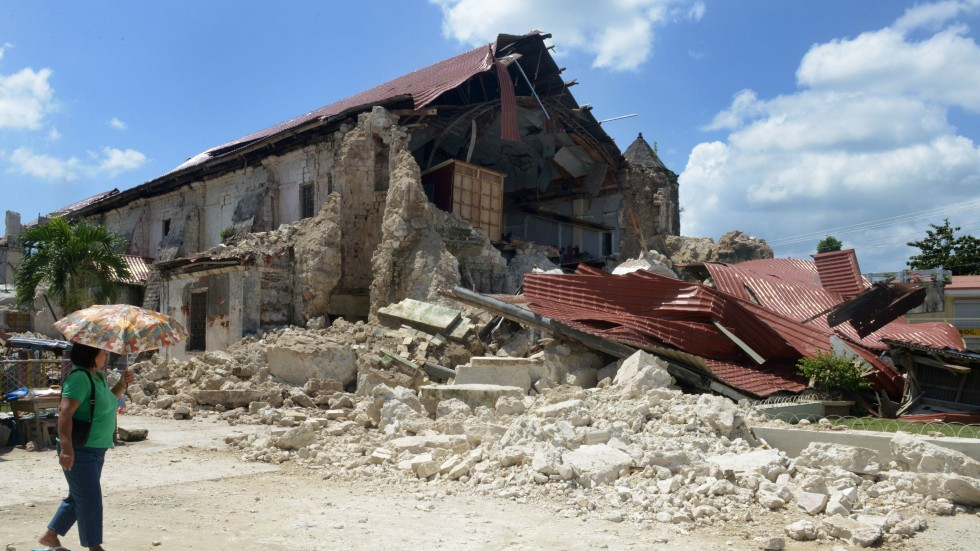 Death toll in Philippine earthquake nears 200 | South ...