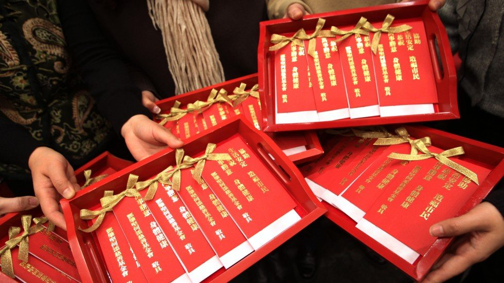 envelope tradition on lunar new year kills 16 000 trees a year