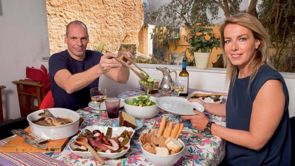 varoufakis match paris yanis greece minister finance wife photographs athens akropolis fusse homestory firestorm social juste avant morning