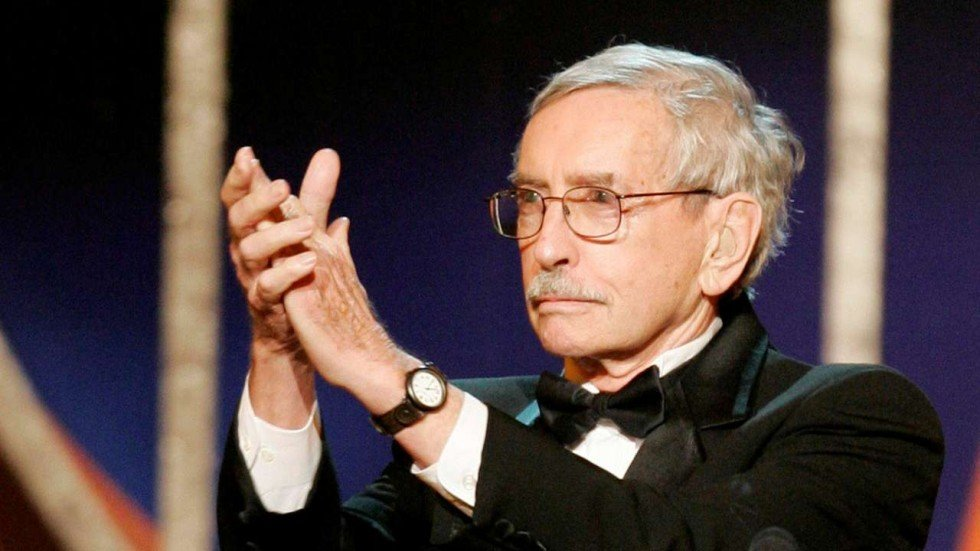 Edward Albee Pulitzer Winning Playwright And Whos Afraid Of