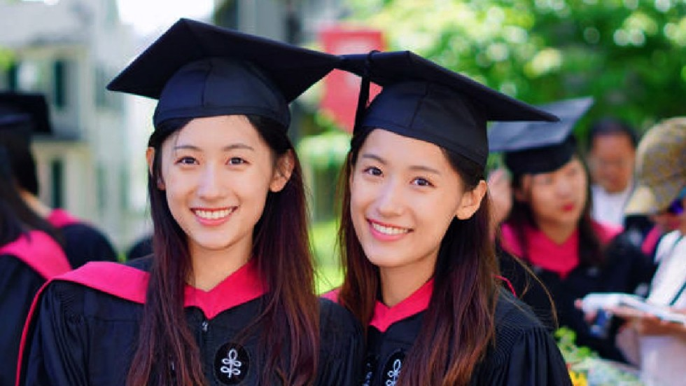 Identical Chinese Twin Sisters Praised For Their Brains And Beauty