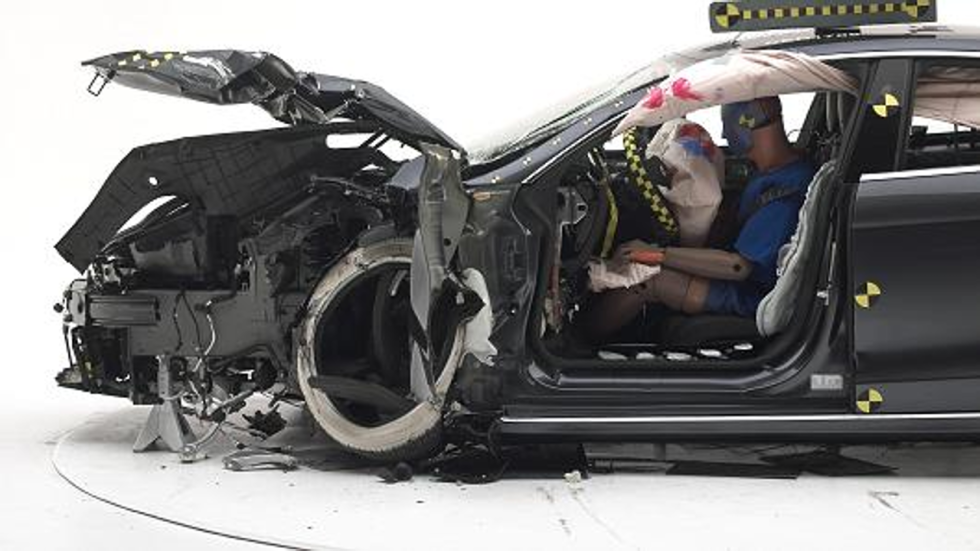 the history of crash test dummies and airbag safety in united states Began testing and rating vehicles for frontal impact protection using data from crash test dummies 1993 began using the 5-star safety ratings system to help consumers make informed safety choices when buying new vehicles.