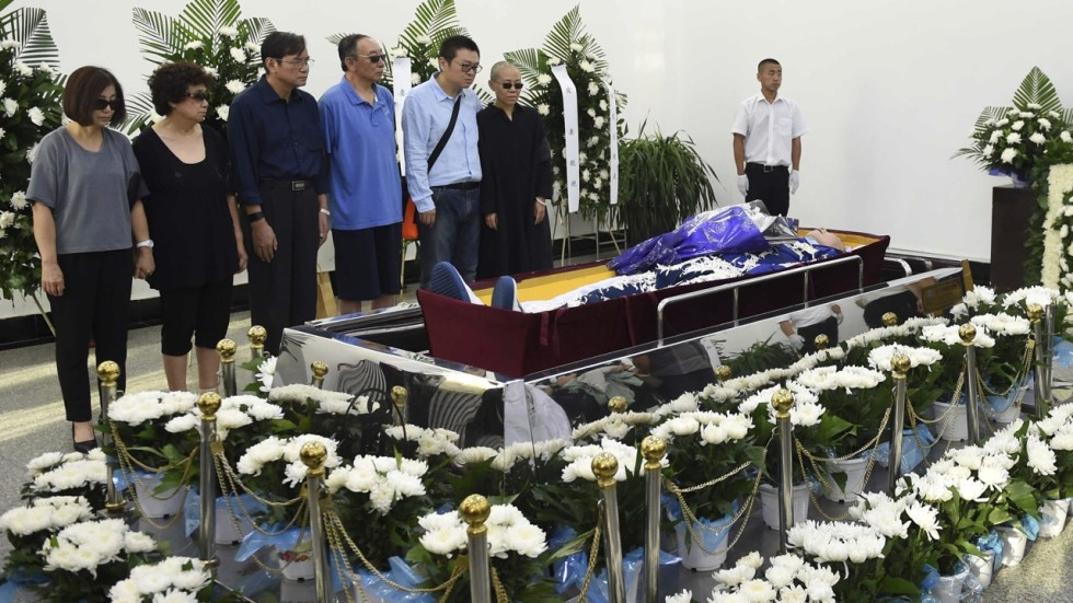 china stages �hasty� cremation of liu xiaobo and has his