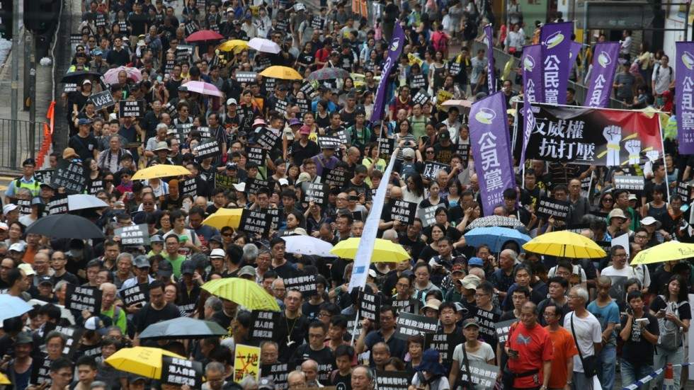 photojournalism analysis of hong kong protest The media would go beyond coverage of their peaceful actions, talan said, to major-league analysis of the china-hong kong relationship, a look at hong kong's history of british rule, and at.