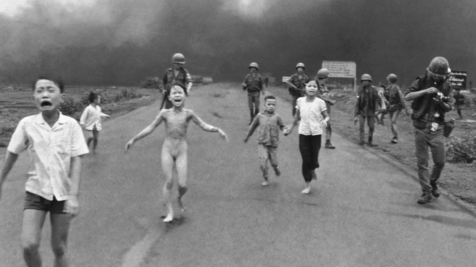 Review fire road how vietnam wars napalm girl learned to stop associated press ccuart Image collections