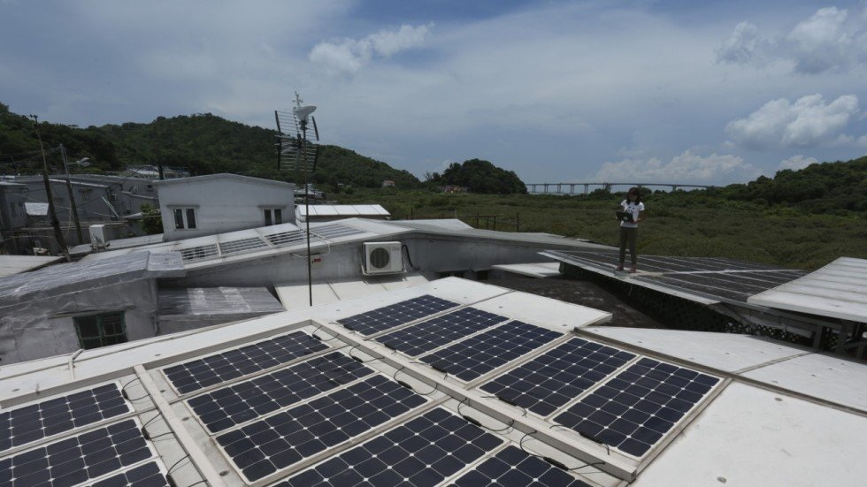Hong kong families with rooftop solar panels or wind turbines could ernest kao solutioingenieria Gallery