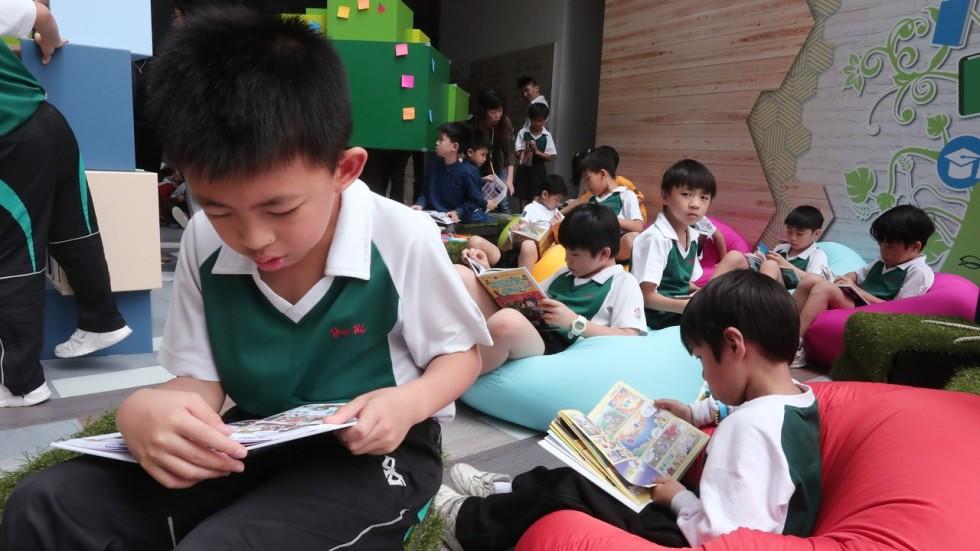 Mother Tongue Language Policy How Hong Kong Failed Where Singapore