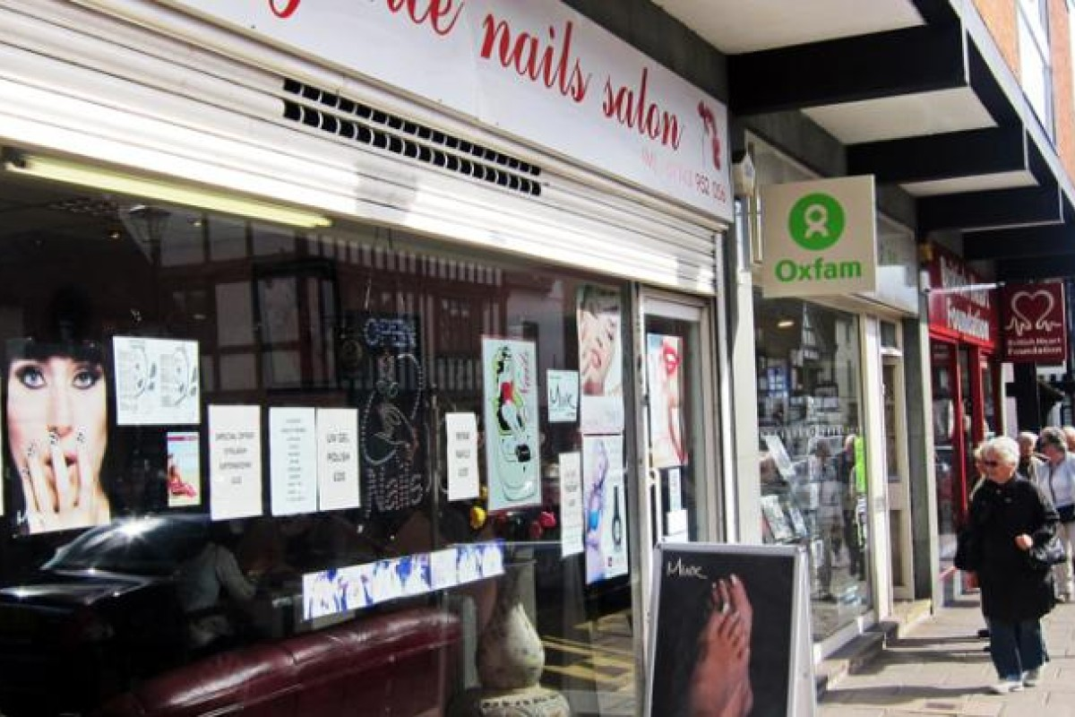 A Vietnamese-run nail salon in Stratford-upon- Avon, Britain. Photos: Red Door News, Hong Kong