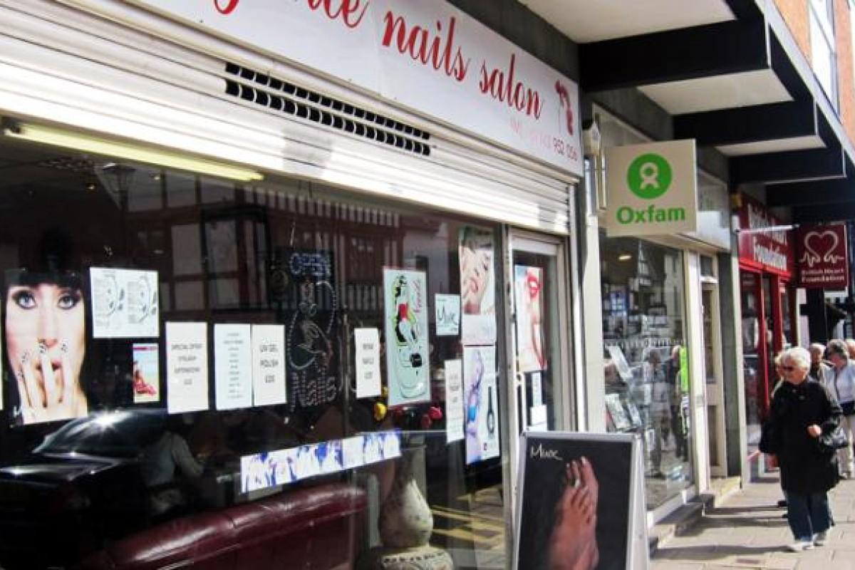 Nail bar blues post magazine south china morning post a vietnamese run nail salon in stratford upon avon britain photos prinsesfo Image collections