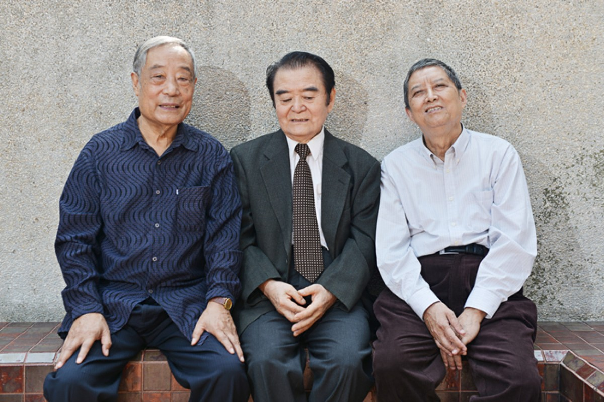 (From left) Chan Wing-tin, Pak and Yang Bao-zhi at Pak's home in Taikoo Shing.