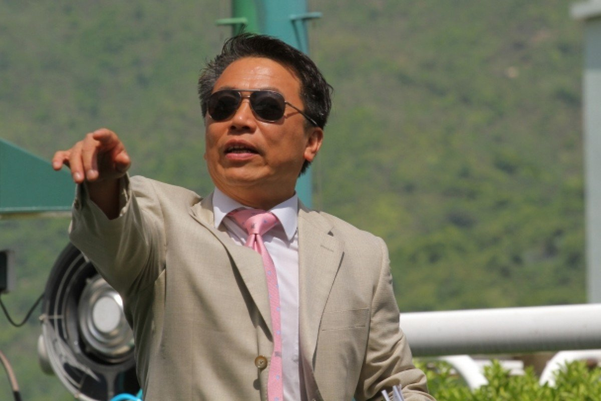 Ricky Yiu issues instructions after Yat Ding Win's victory at Sha Tin on June 2. Photos: Kenneth Chan