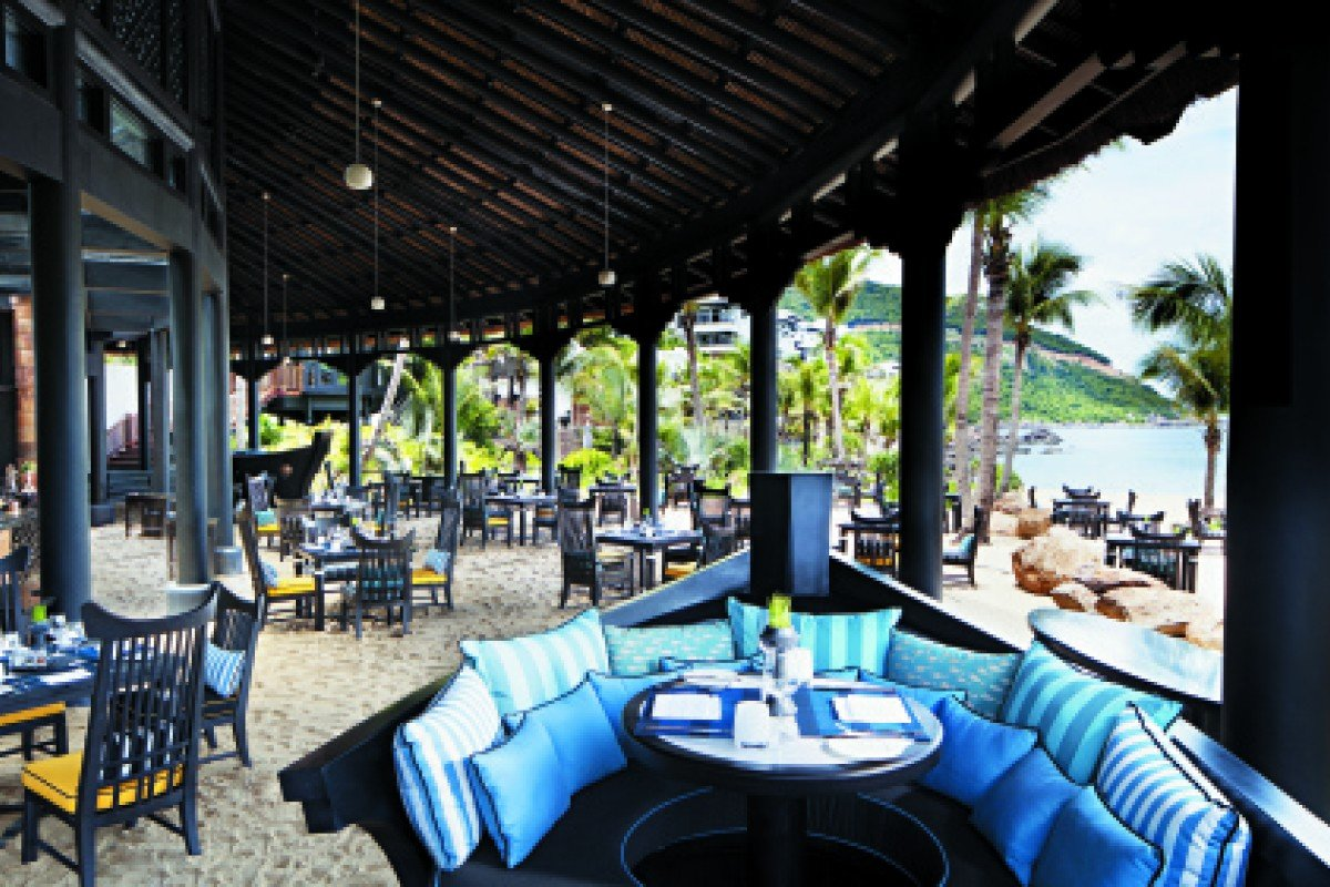 The Barefoot Cafe at InterContinental Danang. Architect Bill Bensley had the chance to make use of natural resources. PHOTO: WOHA