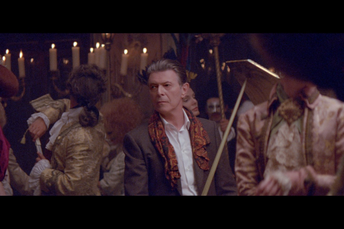 Louis Vuitton casts David Bowie in its latest L'Invitation au            Voyage microfilm, an extension to its earlier campaign.