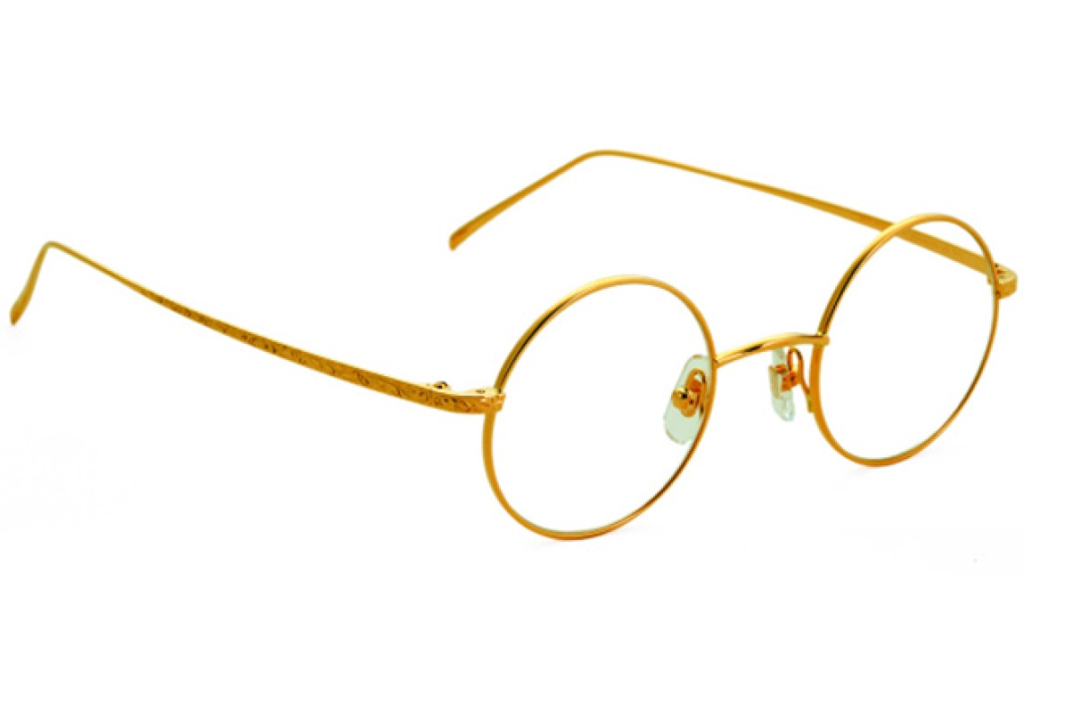 Puyi attracts sophisticated customers by collaborating with high-end labels such as LOTOS, which makes 18ct gold frames.