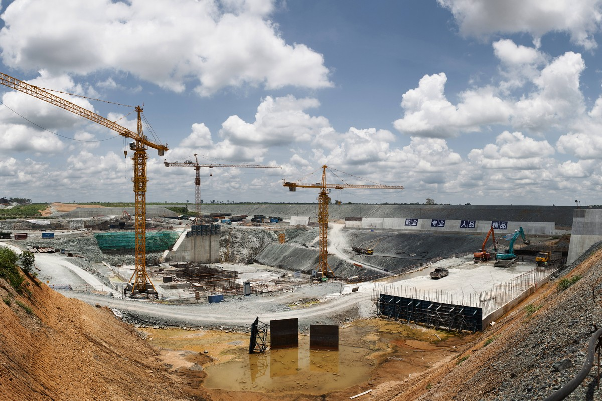 The construction of dams in Bangkok can lead to serious environmental problems 34