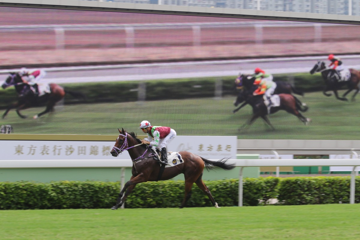 Fabulous One opens up for another impressive win at the top of Class Four. Photo: Kenneth Chan