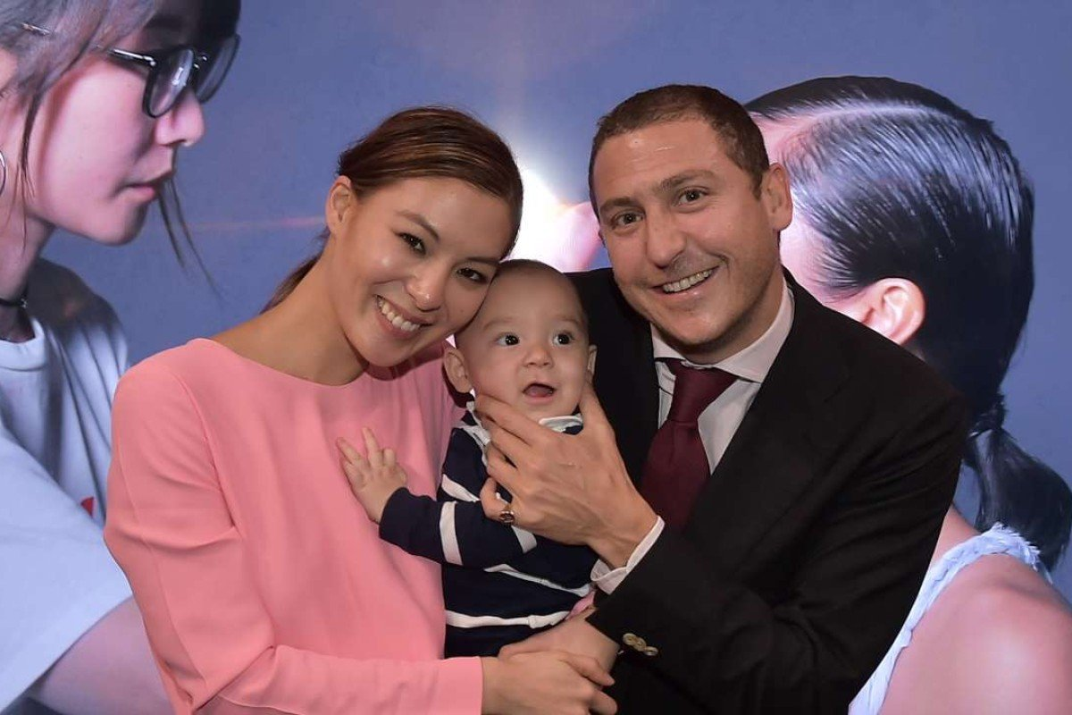 Alison Chan's family show their support for Clé de Peau.