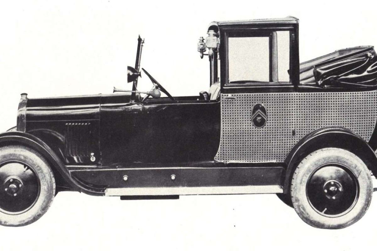 A 1926 Citroen B14 Landaulette Taxi, similar to the first taxis that appeared in Hong Kong.