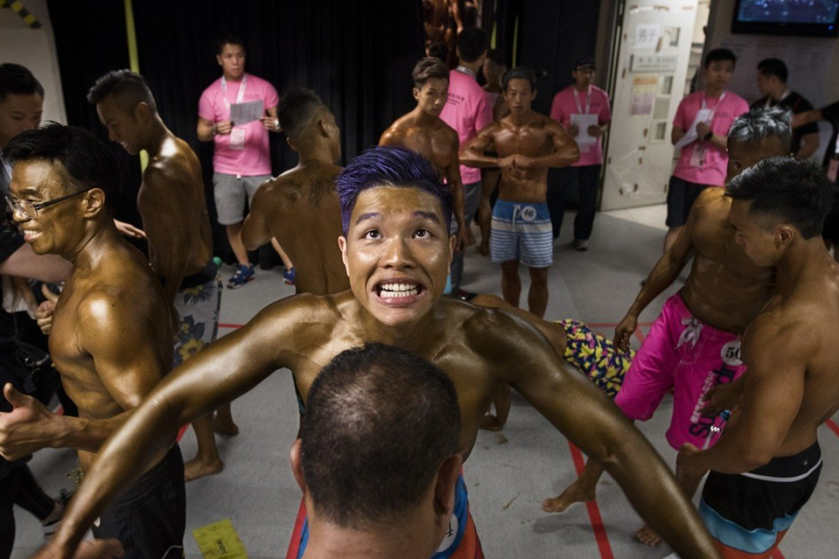 A competitor prepares backstage to compete in the 2016 Hong Kong Bodybuilding Championships, at Queen Elizabeth Stadium, last June. Pictures: Miguel Candela