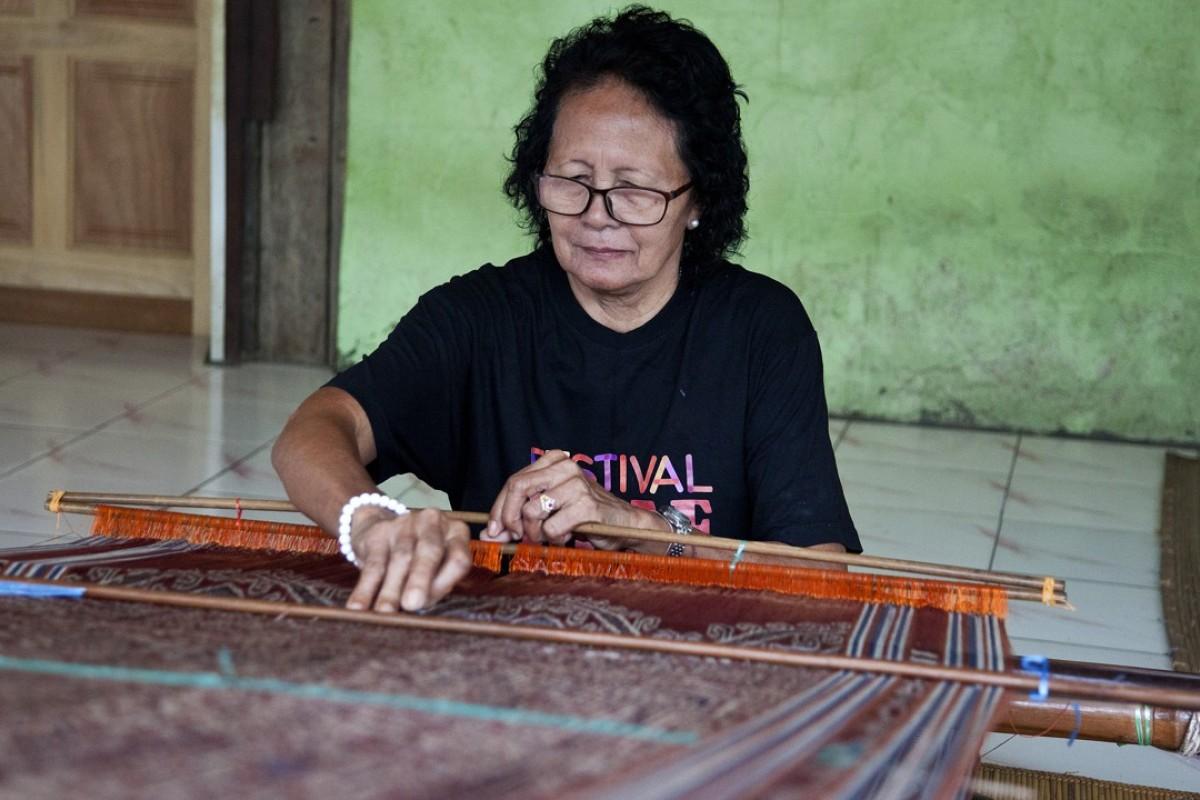 Master weaver Bangie anak Embol, in Sarawak, Malaysian Borneo. Pictures: Ore Huiying
