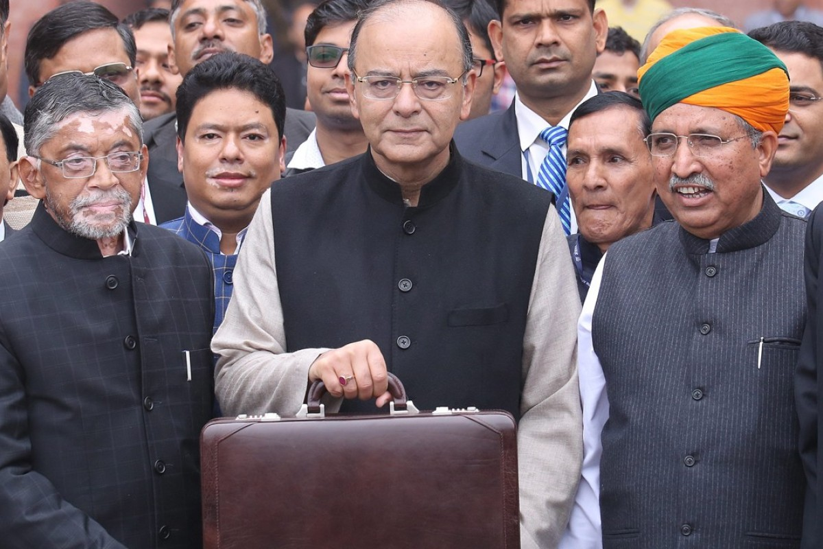 Indian Finance Minister Arun Jaitley plans to revitalise the country's state banks with a 2 trillion rupee injection – money he wants to raise by selling those exact same financial institutions special bonds. Photo: EPA