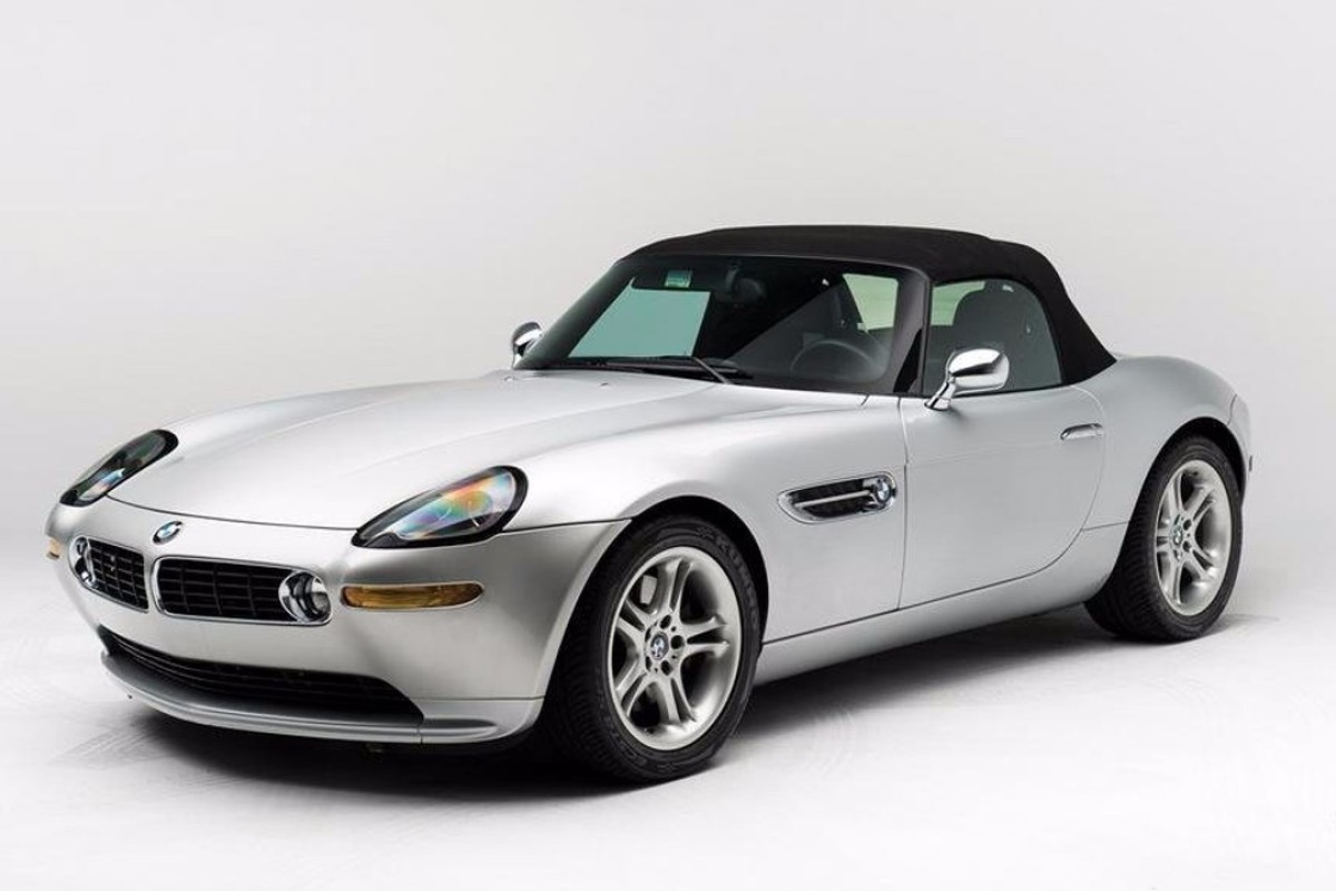 A BMW sports car once owned by Steve Jobs is going up for auction – and it's expected to sell for up to US$400,000.