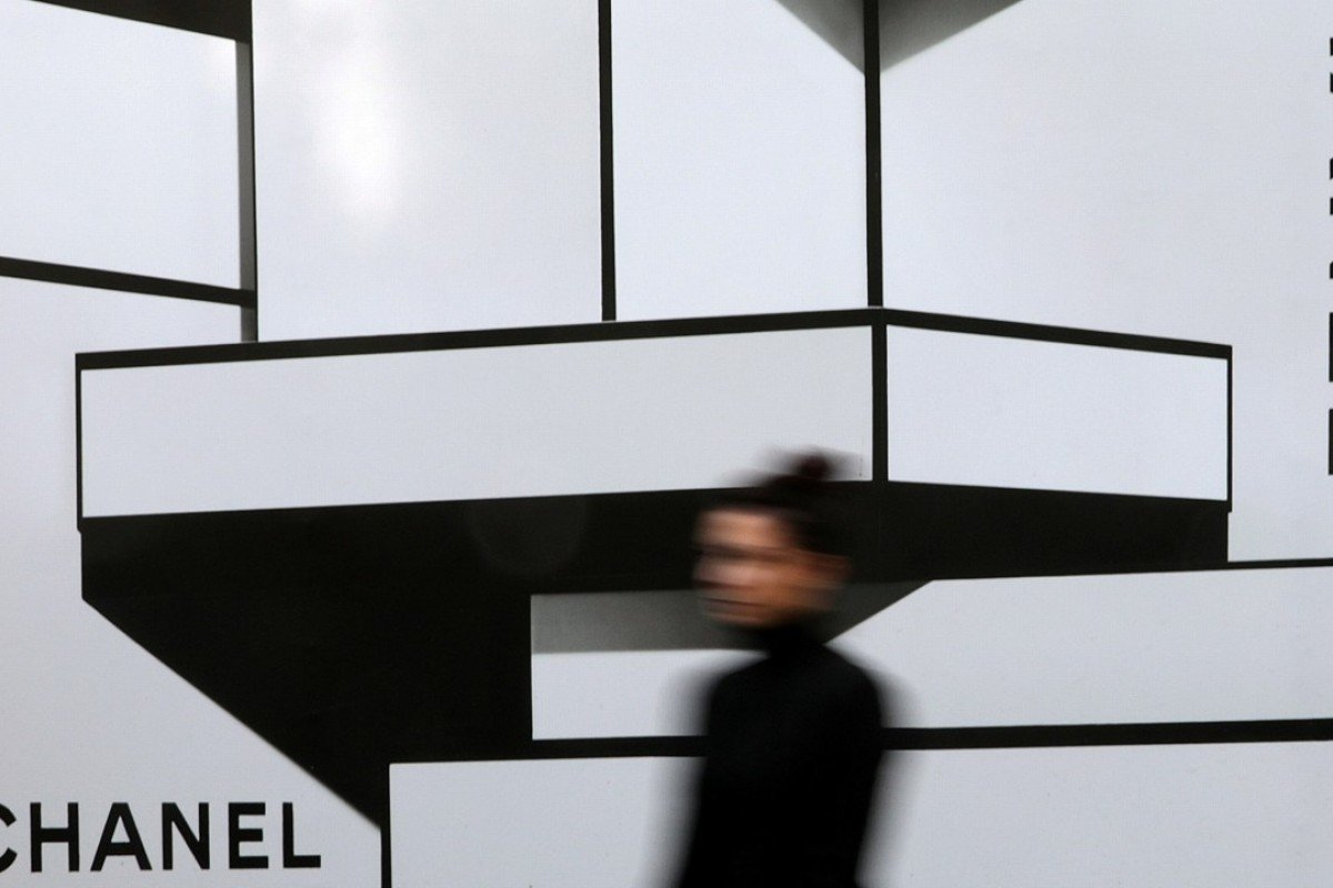 The French luxury goods maker Chanel already sells some of its products online, such as its Chanel No 5 perfume, spectacles and beauty items. Photo: Reuters