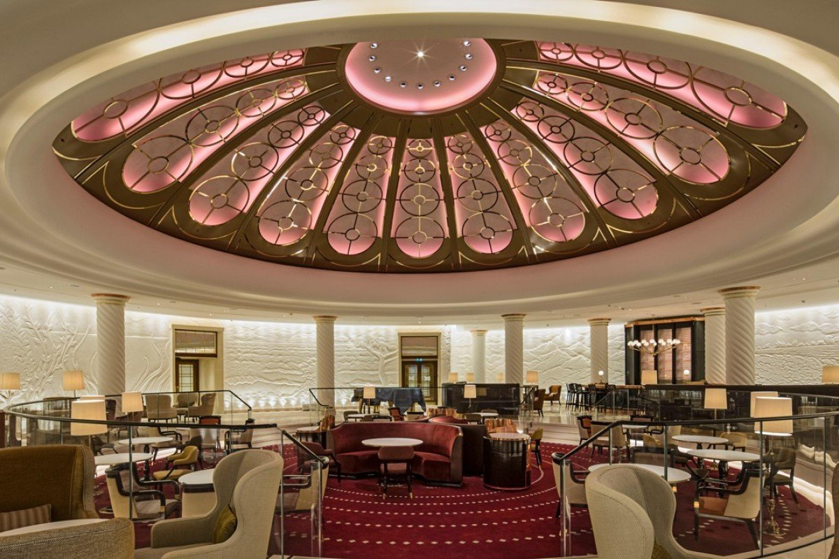The rotunda lounge at the Four Seasons Hotel London at Ten Trinity Square & Four Seasons opens City hotel in historic property facing Tower of ...