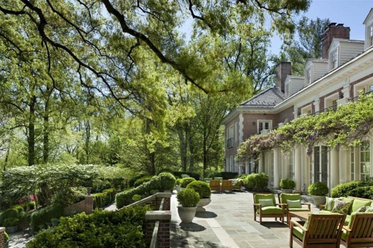 Jacqueline Kennedy Onassisu0027s Mansion. Photo: Top Ten Estate Deals