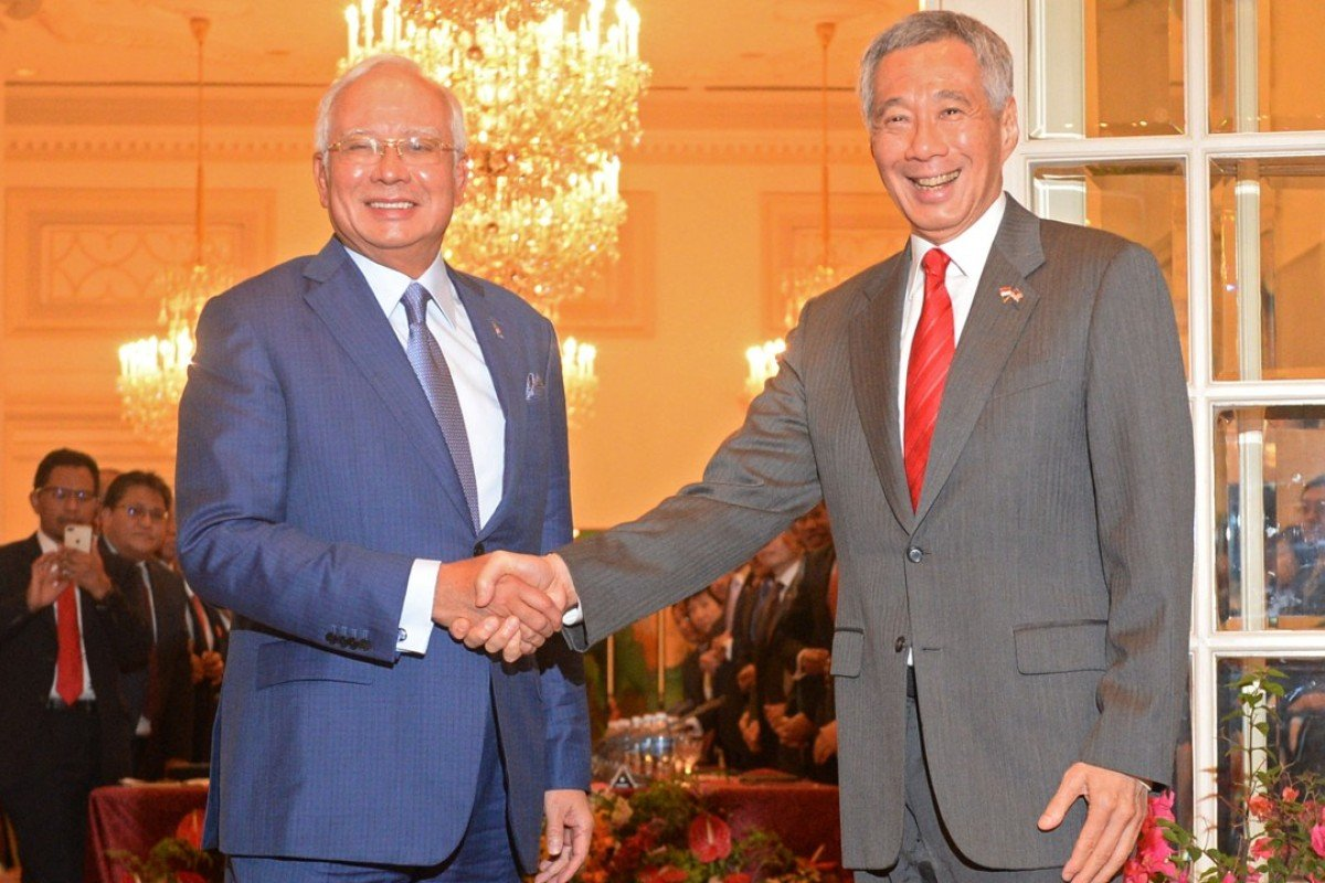 Malaysian Prime Minister Najib Razak with Singaporean counterpart Lee Hsien Loong. Photo: Xinhua