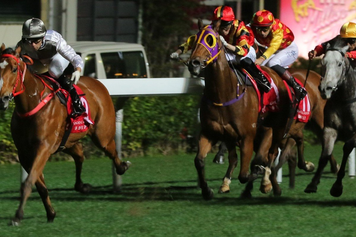 Ivictory streaks away from his rivals at Happy Valley. Photos: Kenneth Chan