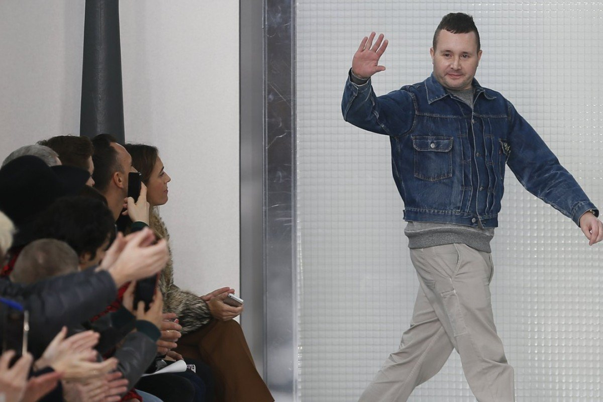 British designer Kim Jones takes to the catwalk after presenting his autumn/winter 2015/16 men's collection for Louis Vuitton at Paris Fashion Week, in January 2015. Photo: Ian Langsdon/EPA-EFE