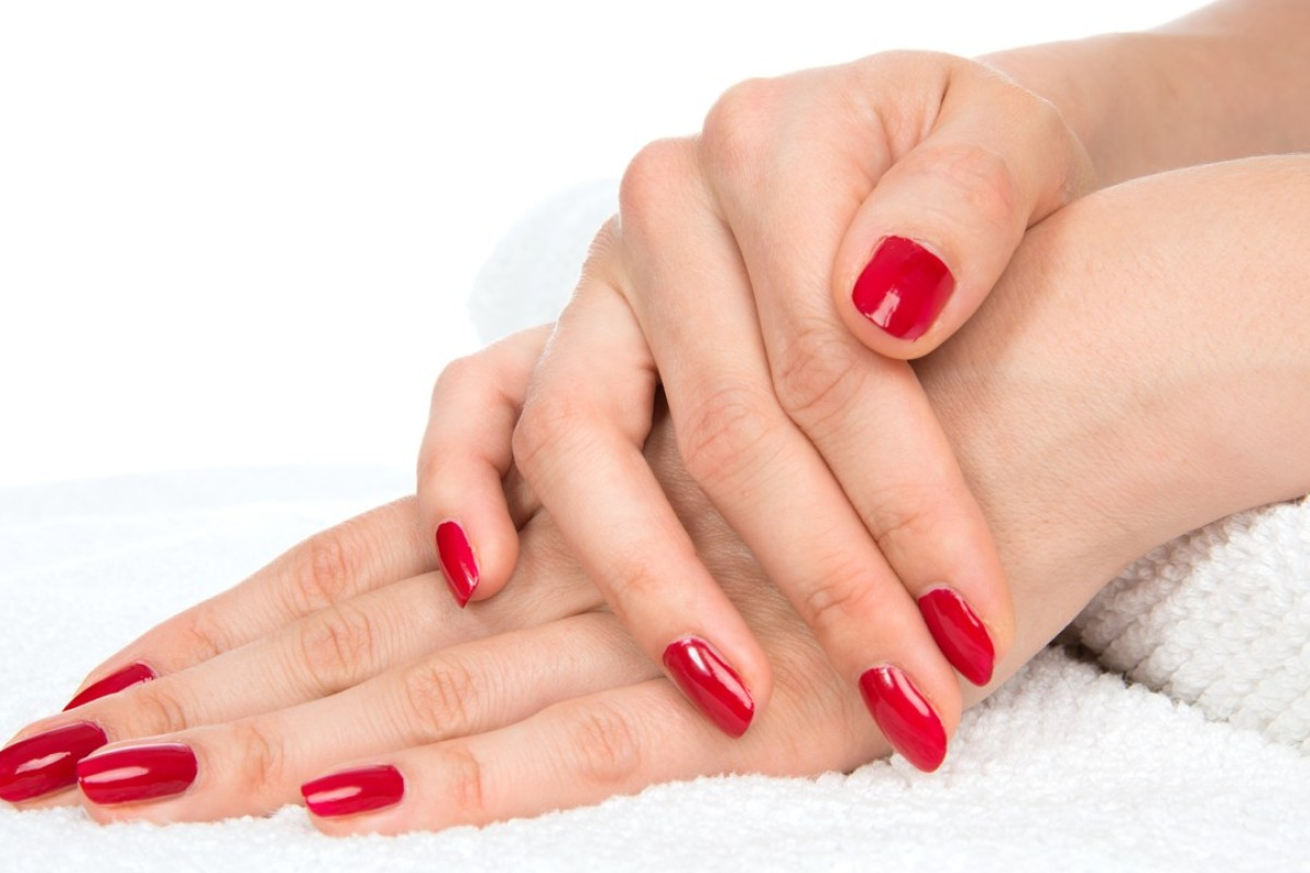 Red nails look best on youthful hands.