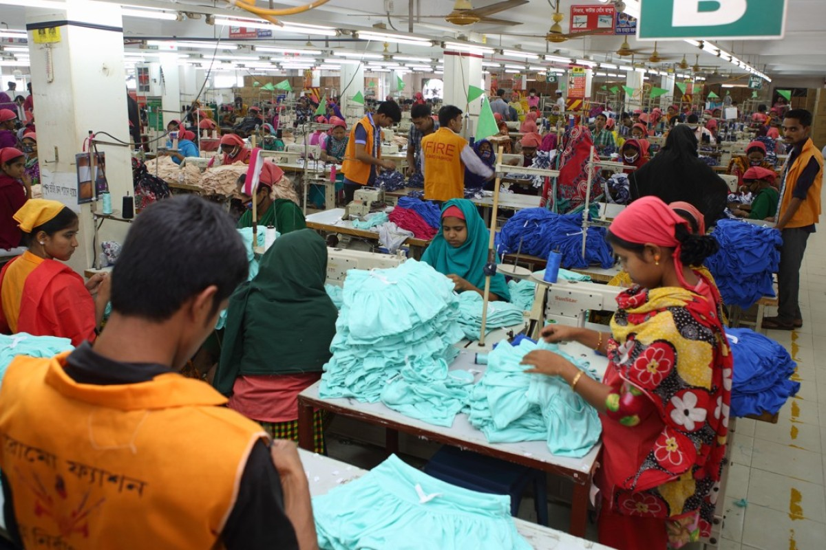 A garment factory in Dhaka. Photo: Shafiqul Alam Kiron / International Labour Organisation